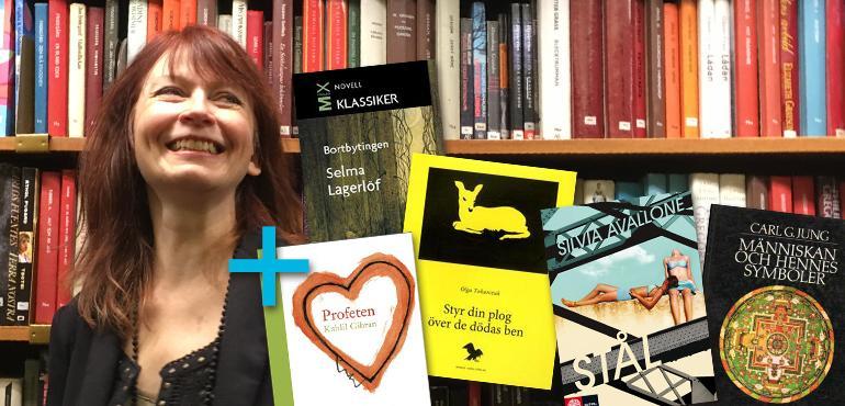 Inger Edelfeldt med några av sina favoritböcker. Foto: Amanda Bigrell.